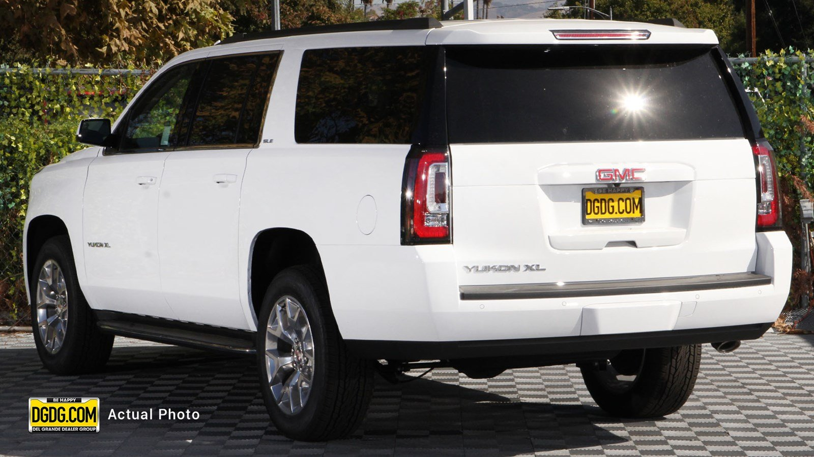 New 2019 GMC Yukon XL SLE