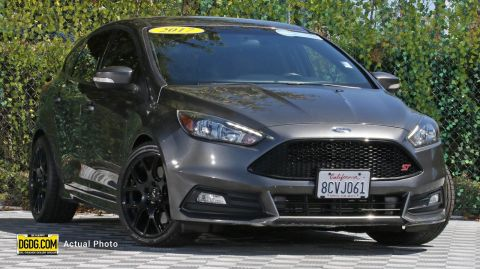 2017 Ford Focus ST FWD 4D Hatchback